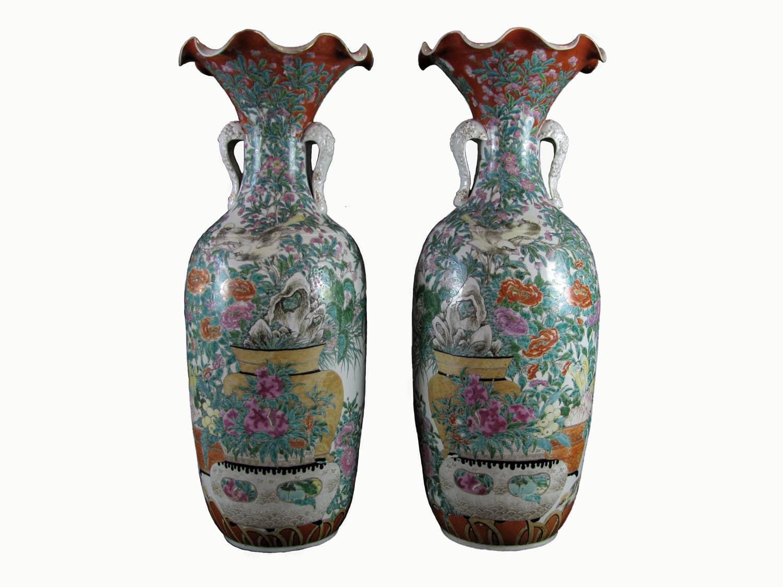 Coppia di antichi vasi giapponesi kutani in porcellana for Vasi giapponesi