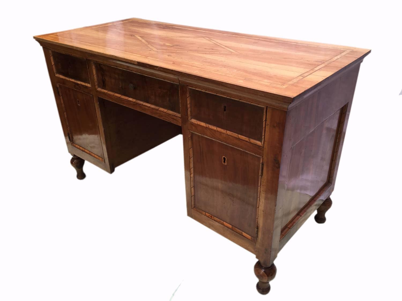 scrivania antica lastronata in noce