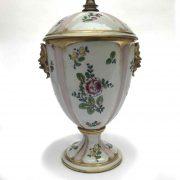 Lampada-in-porcellana-decorata b