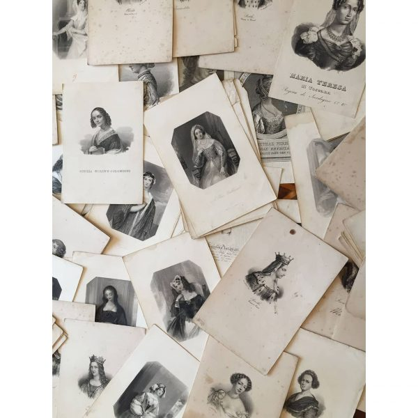 Antique Engravings A collection of 70 female portraits