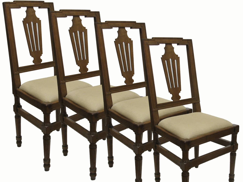 Tessuti Per Sedie Antiche.Quattro Sedie Antiche In Noce Biondo Con Sedile Imbottito