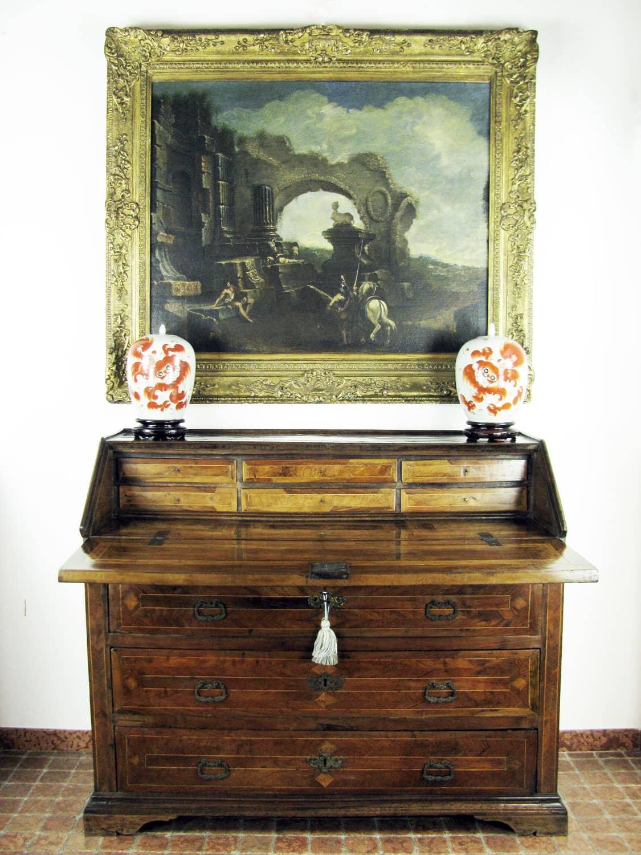 Antica ribalta marchigiana in noce del 1700 for Mobili antichi 1700