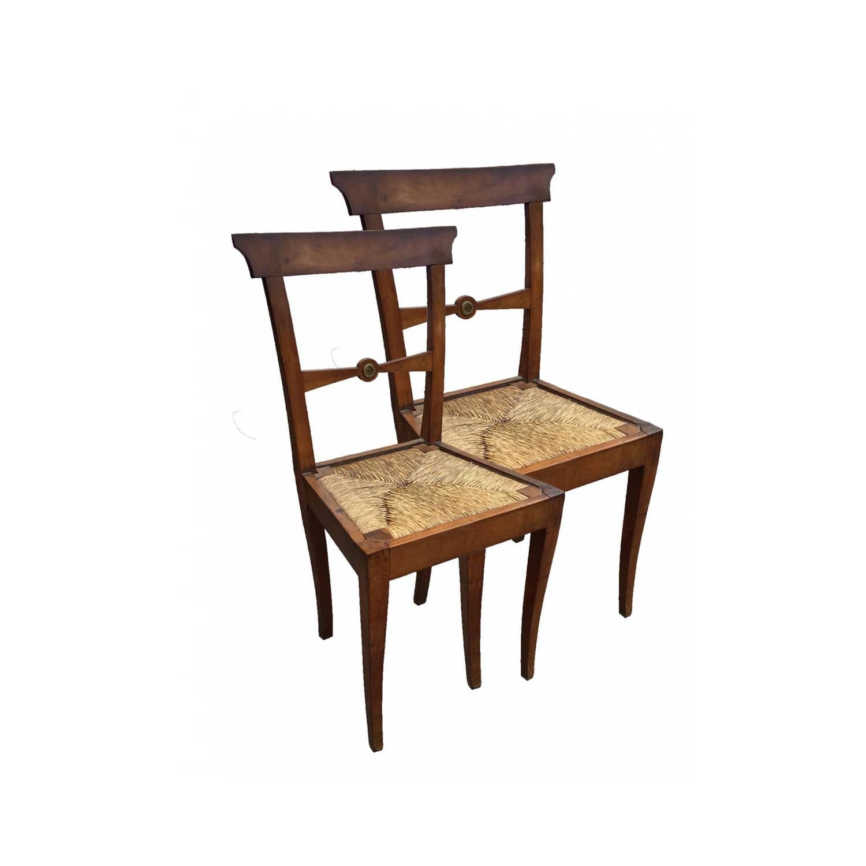 Coppia di sedie antiche in noce solide ed in buono stato for Sedie antiche rimodernate
