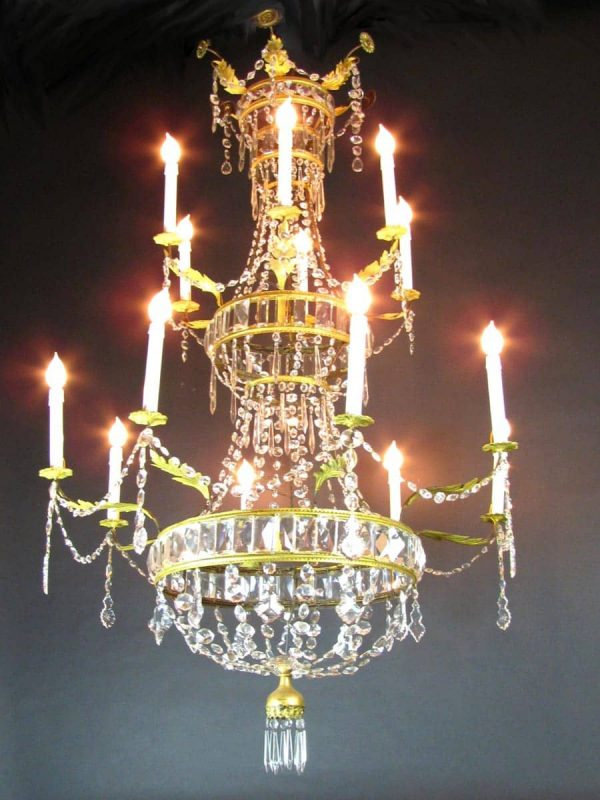 18th Century Italian Crystal Chandelier from a Tuscan Villa