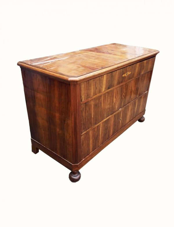19th century Walnut Chest of Drawers