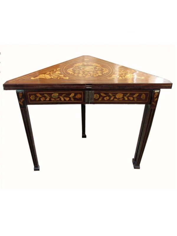 Early 20th cent English Mahogany Corner Game Table