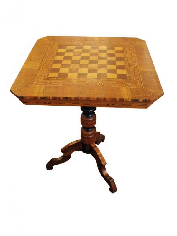 Early 20th century Walnut Inlaid Game table with chess board