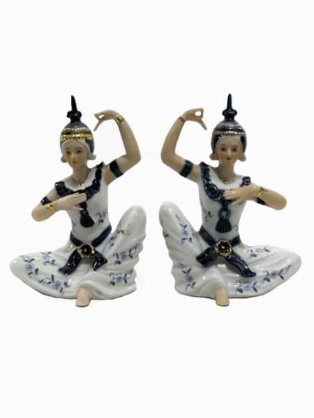 Coppia di statuine decorate