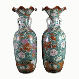 pair-of-antique-Japanese-porcelain-vases