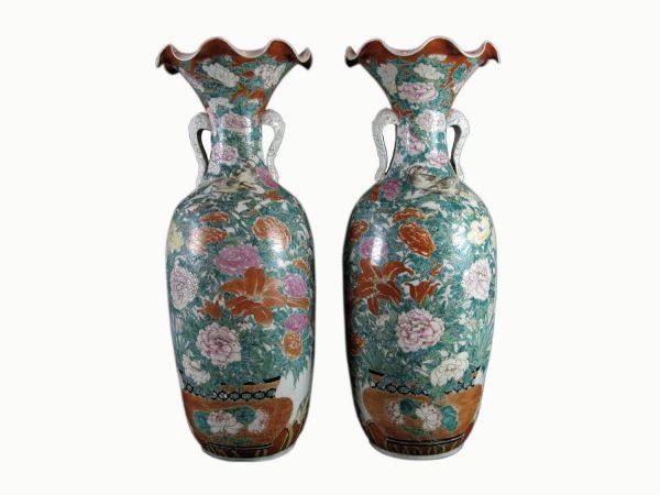 Coppia di Antichi Vasi Giapponesi Kutani in Porcellana