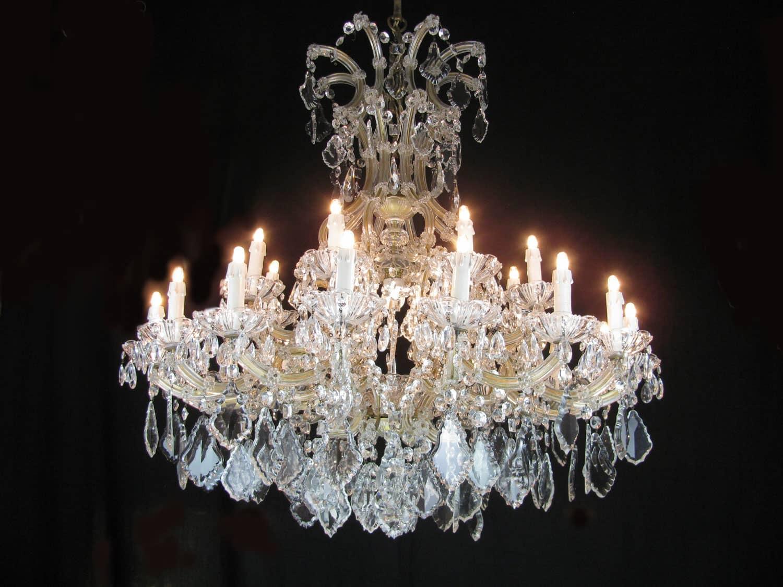 Lampadario Antico A Gocce : Lampadario gocce cristallo antichi unaris u e la collezione di