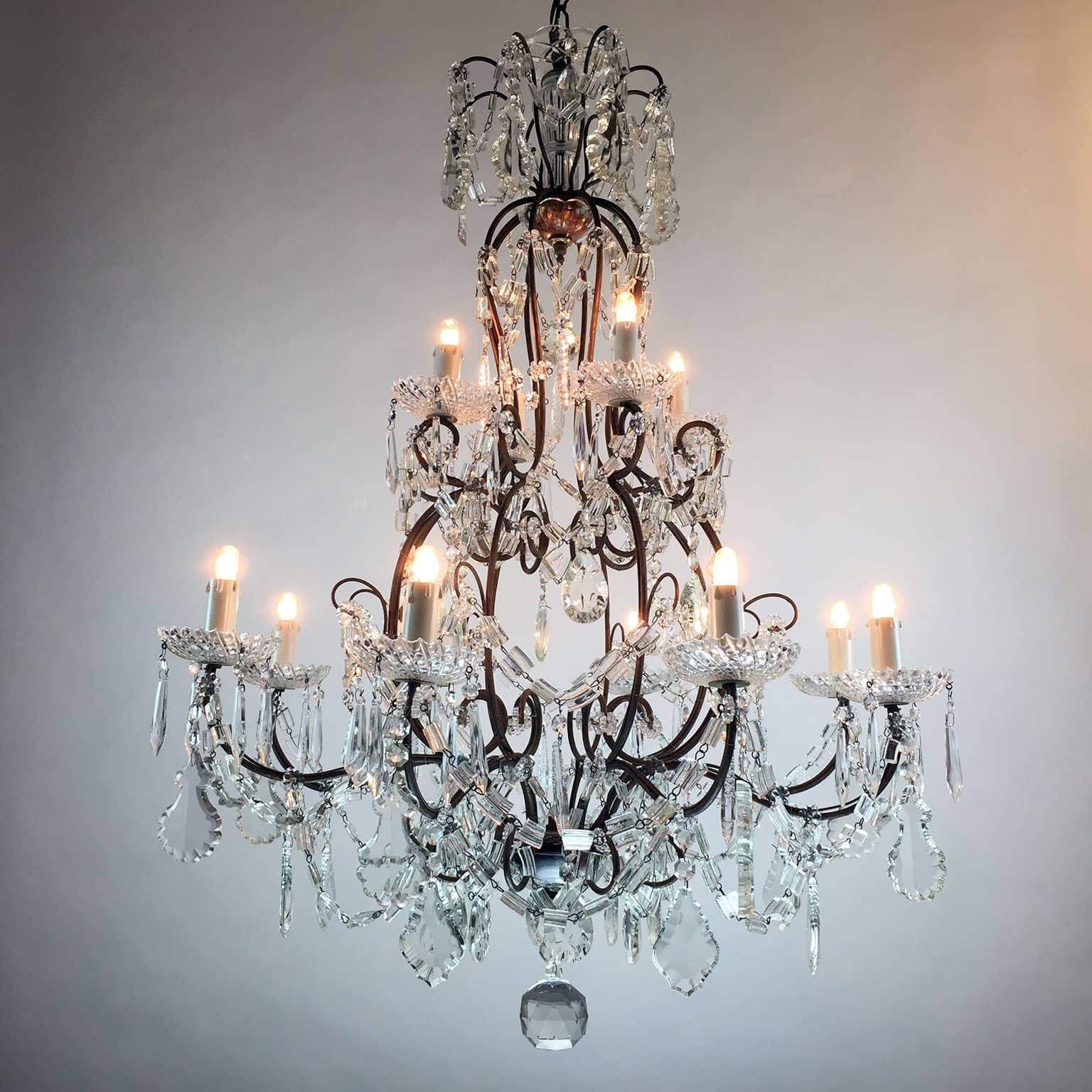 Lampadario Antico in Cristallo a 12 luci