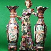 coppia di grandi vasi imari in porcellana