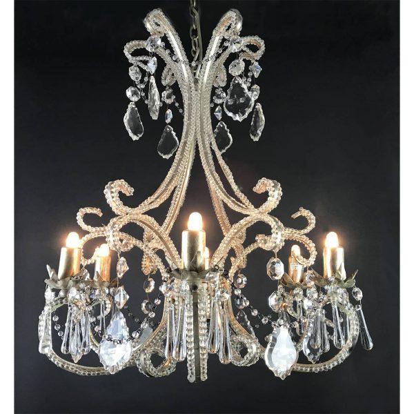Lampadario in Cristallo per l'Illuminazione della Sala da Pranzo