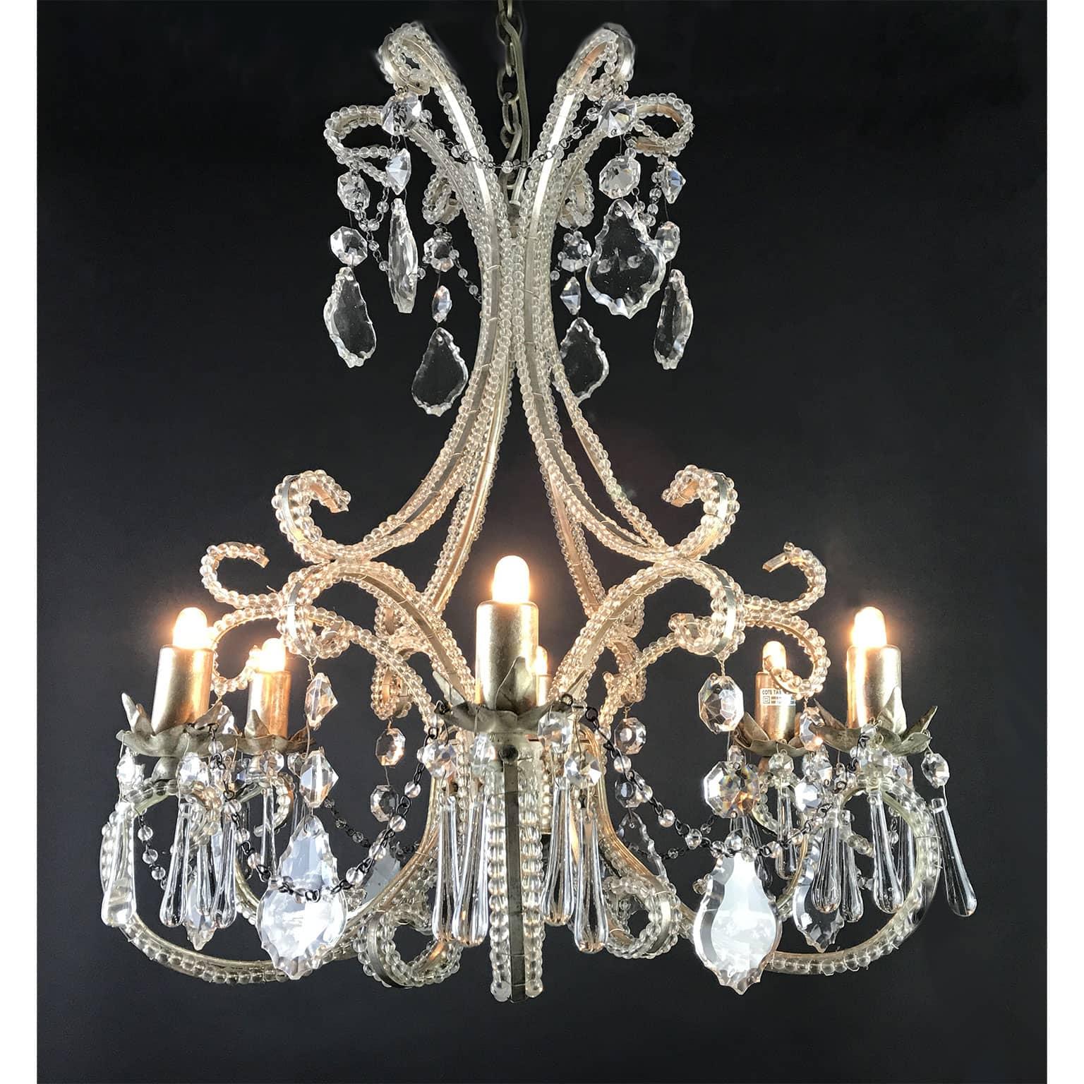 Lampadario in Cristallo per l\'Illuminazione della Sala da Pranzo