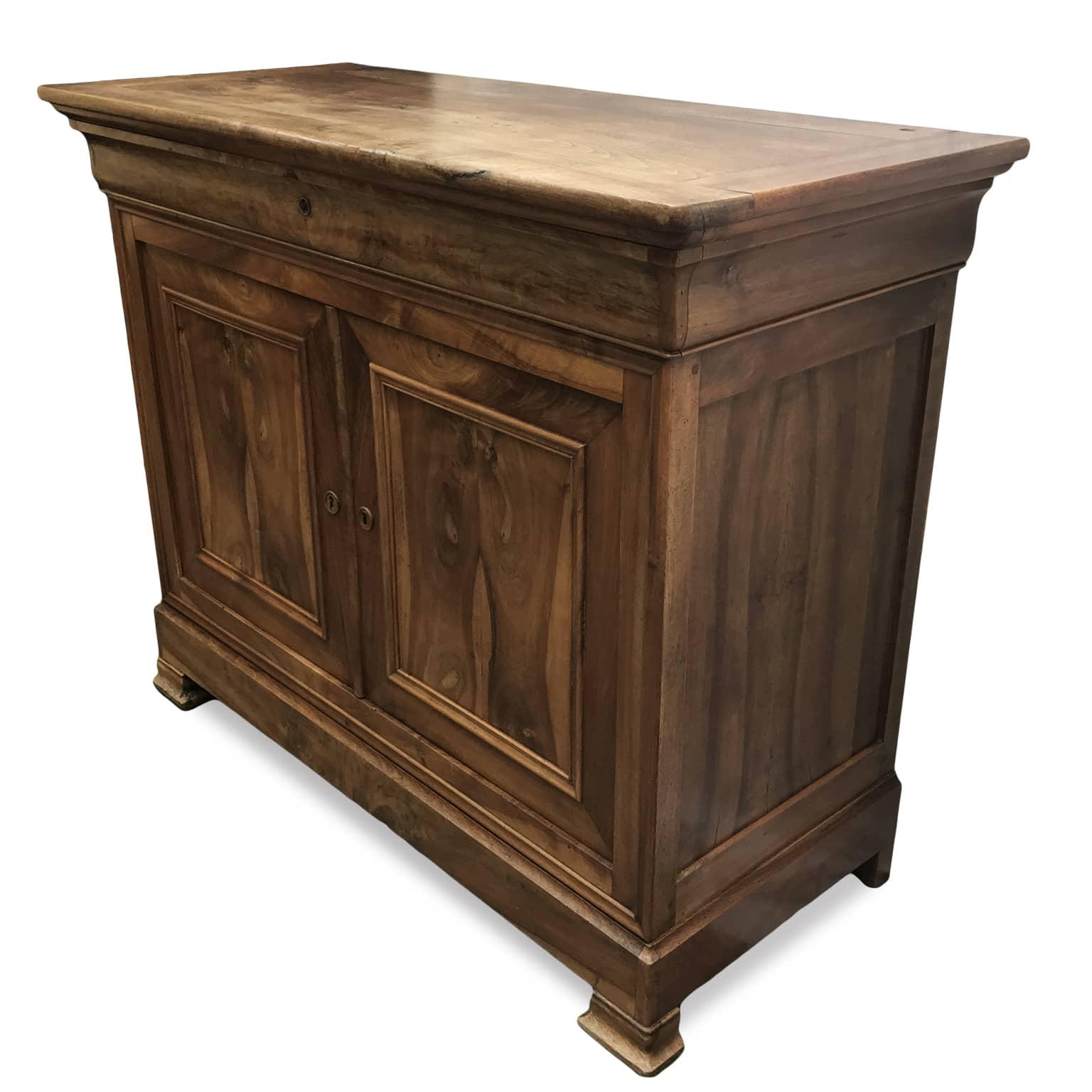 Credenza antica francese ideale per la sala da pranzo for Regalo mobili antichi