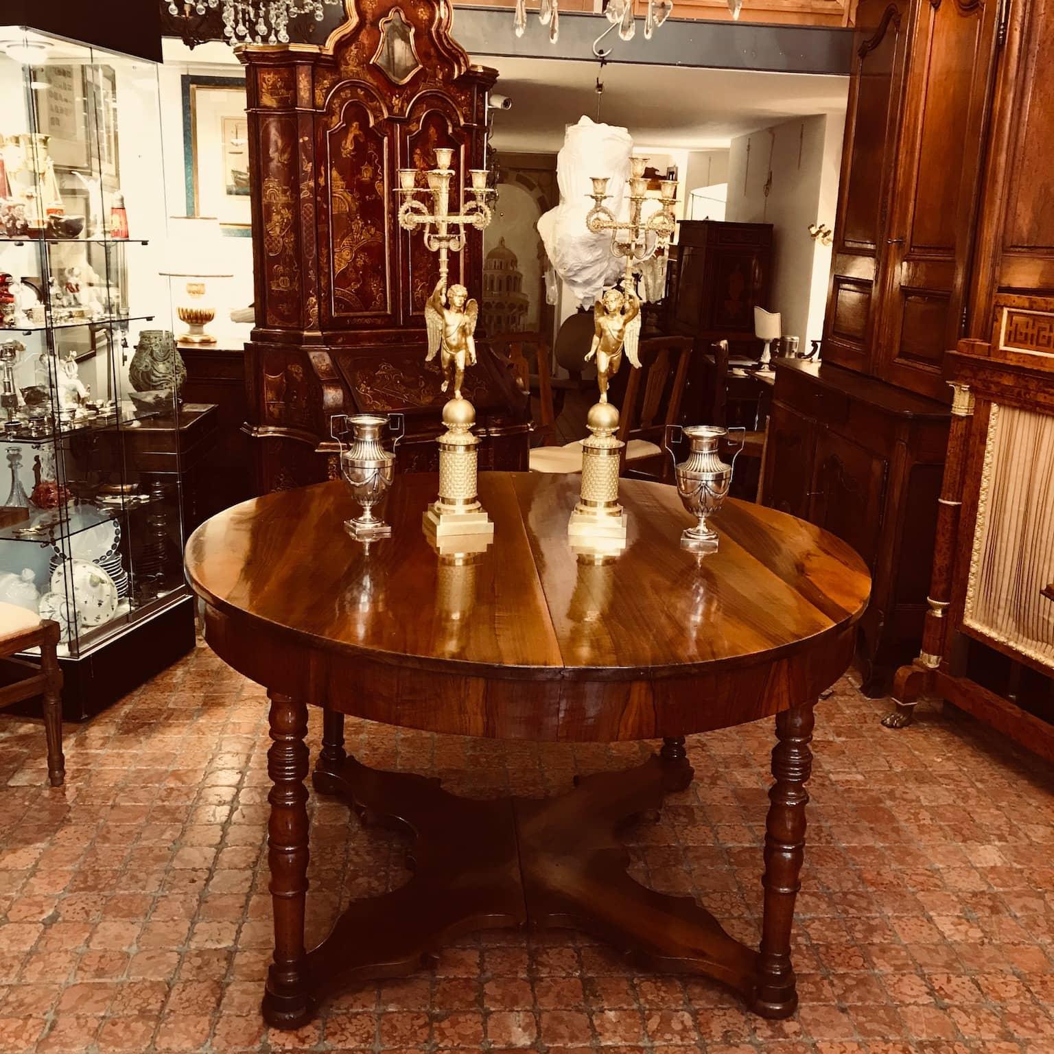 Tavolo antico da pranzo in noce allungabile del 1800