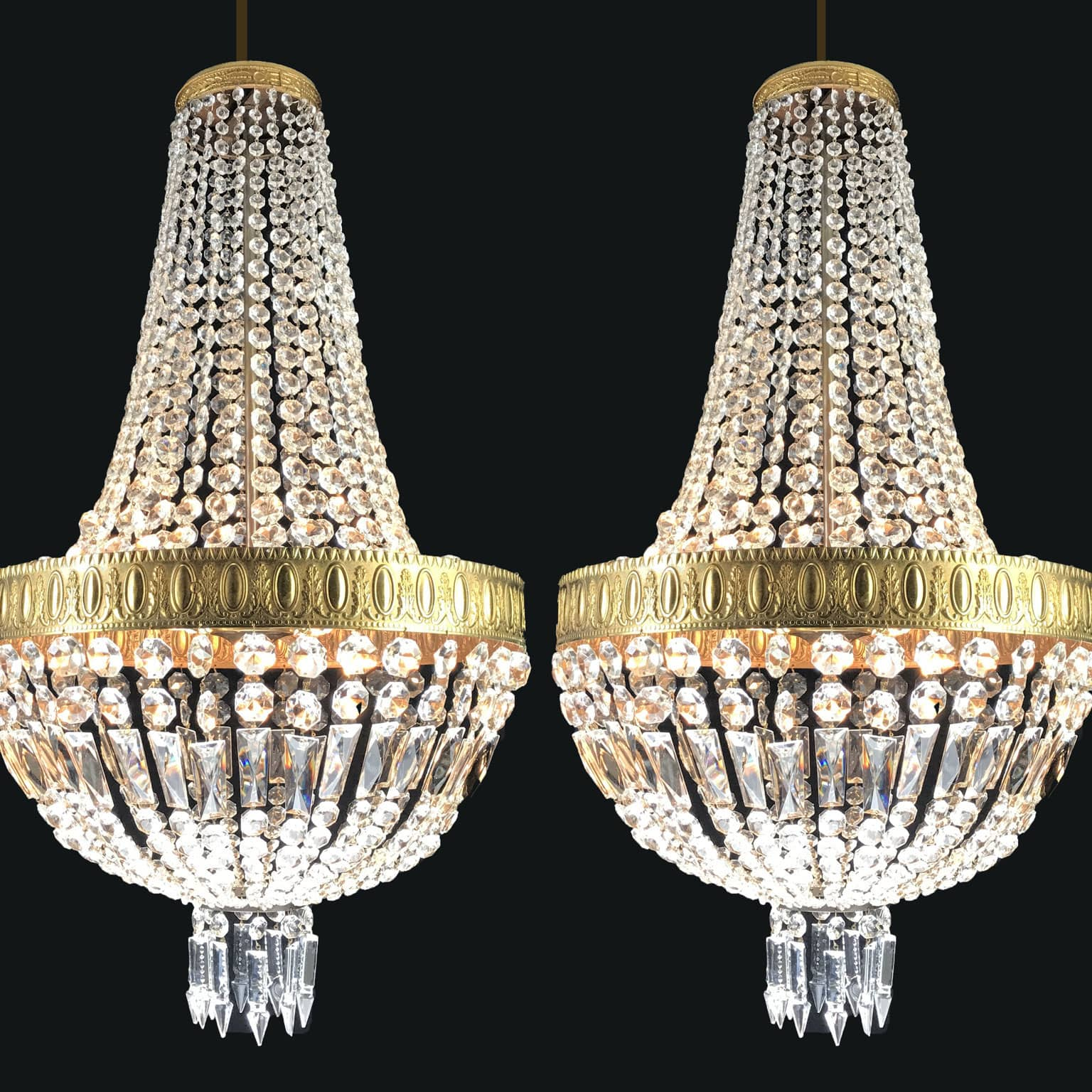 Coppia di lampadari impero in cristallo for Accessori lampadari