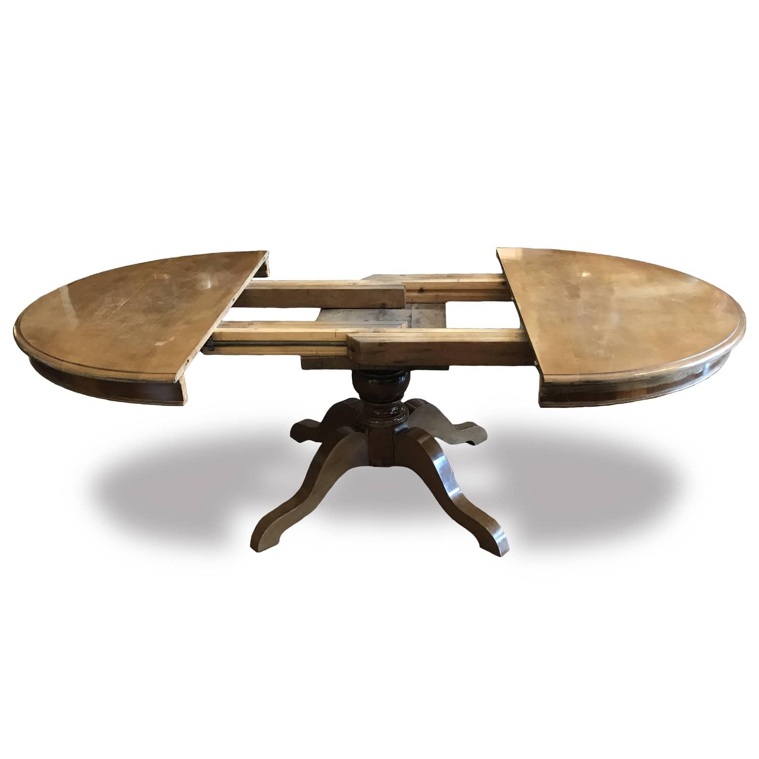 tavolo in noce antico ideale per arredare la sala da pranzo