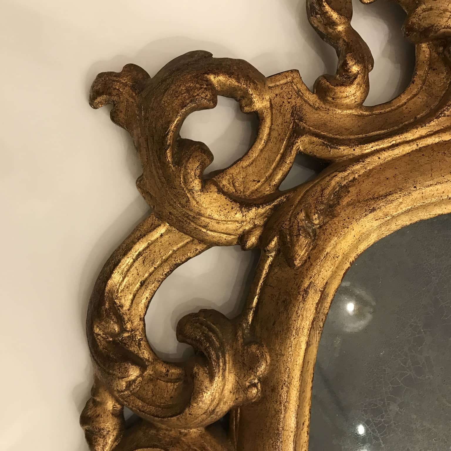 Specchiera ovale in legno intagliato e dorato del 1800 for Portaritratti legno