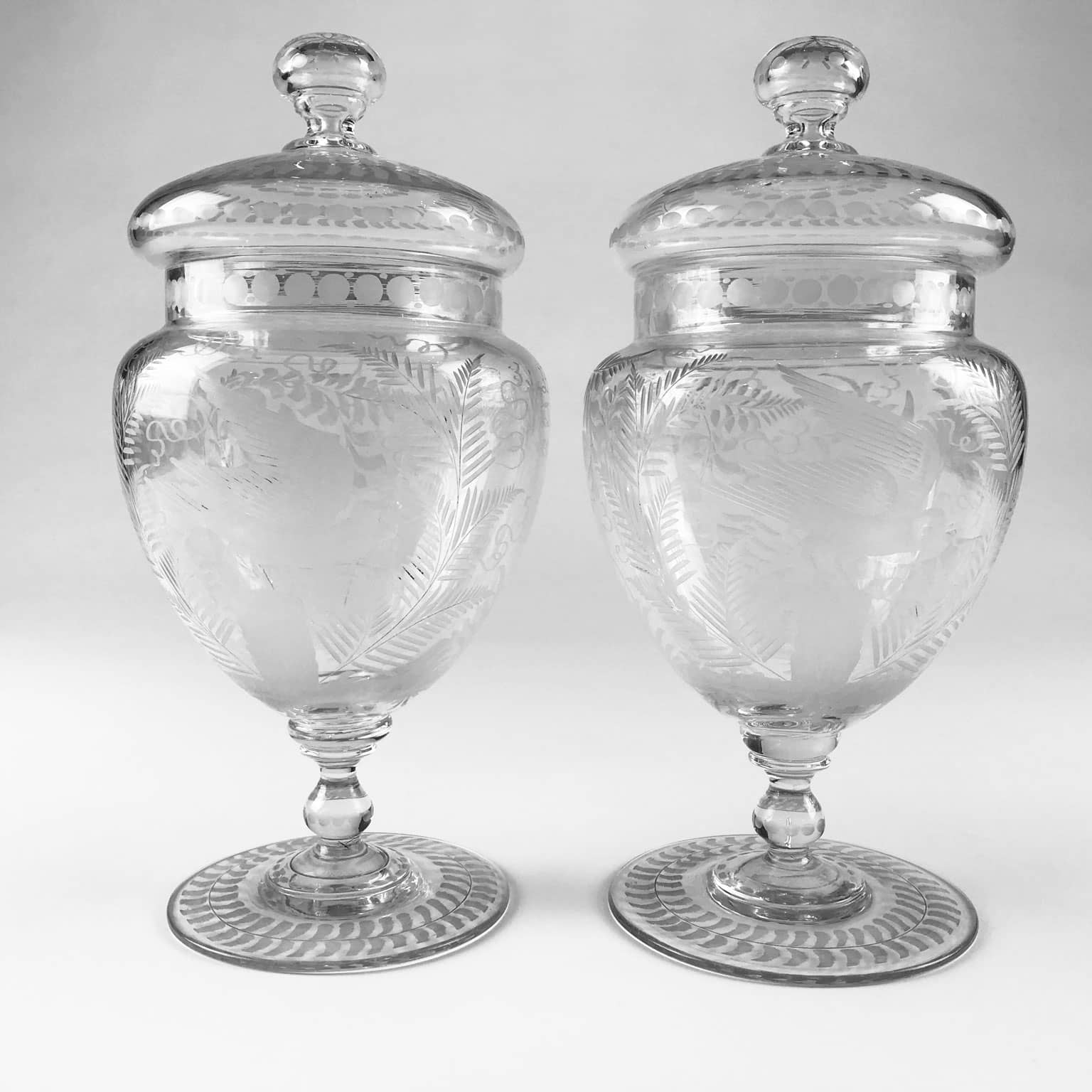 Splendida coppia di vasi con coperchio in vetro finemente for Vasi ermetici vetro