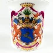 Tazza-in-Porcellana-di-Berlino-donata-da-H.-von-Maltzan-nel-1847-in-porcellana-bianca-profilata-in-oro-1