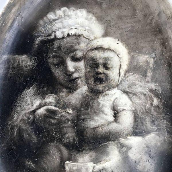Felice Zennaro Maternità Inizi 1900 Dipinto al Nero Fumo sulla Ceramica