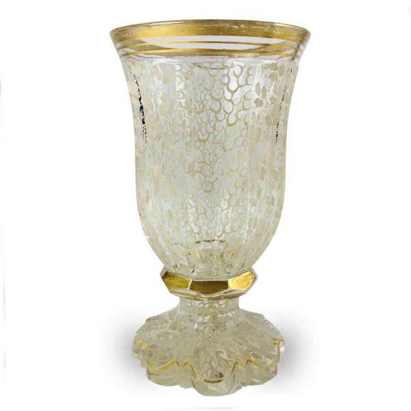 Bicchiere Antico in Cristallo Decorato in Bianco e Oro