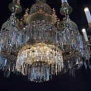 Lampadario Classico da Soggiorno in Bronzo Dorato e Cristallo 6