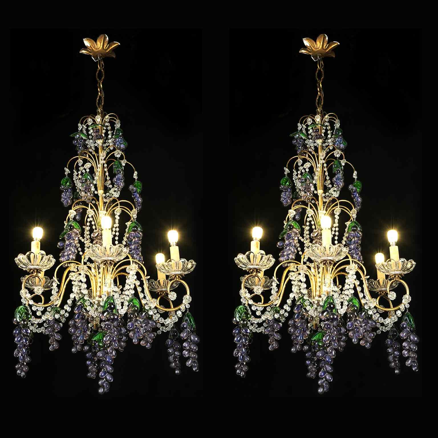 Coppia di Lampadari con Cristalli e Grappoli d'Uva color ametista in vetro di Murano