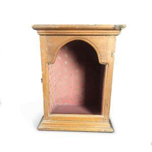 teca in legno laccato con antina centinata