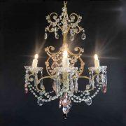 lampadario antico da camera dorato con cristalli
