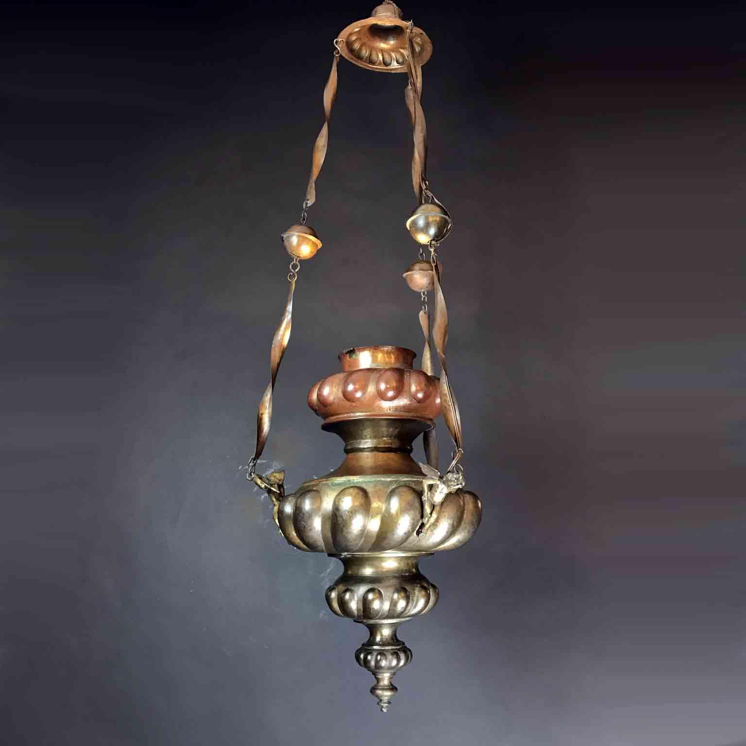 lampada votiva in rame sbalzato