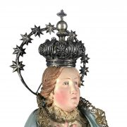 madonna-in-terracotta-con-abiti-ricamati-e-corona-a
