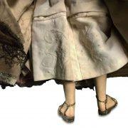 madonna-in-terracotta-con-abiti-ricamati-e-corona-h