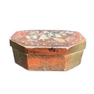 scatola antica laccata e dorata