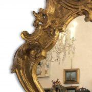 specchiera intagliata e dorata con specchio al mercurio 1700 c