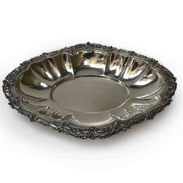 20th Century Italian Silver Oval Shaped Centerpiece