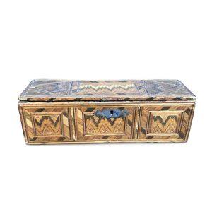 scatola antica in paglia intrecciata