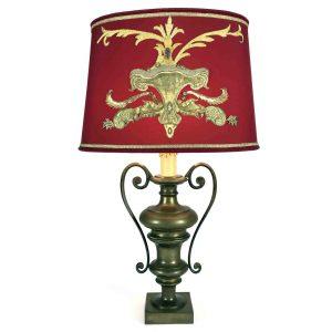 lampada da salotto in bronzo con ricami antichi