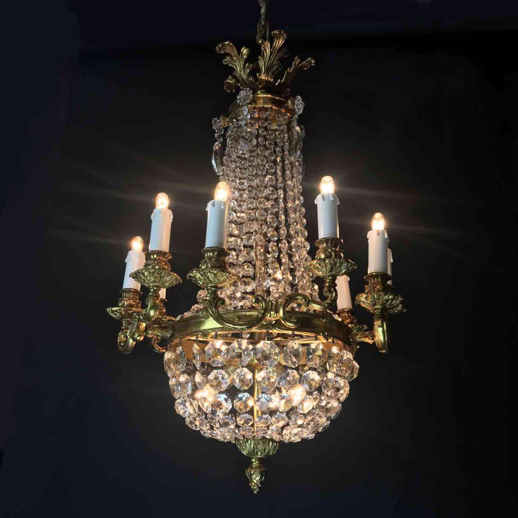 lampadario da camera in bronzo dorato e cristallo