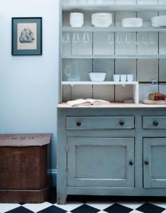 credenza-antica-cucina