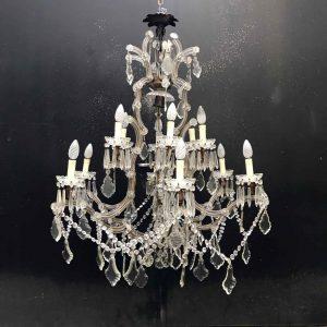 lampadario da soggiorno in cristallo antico