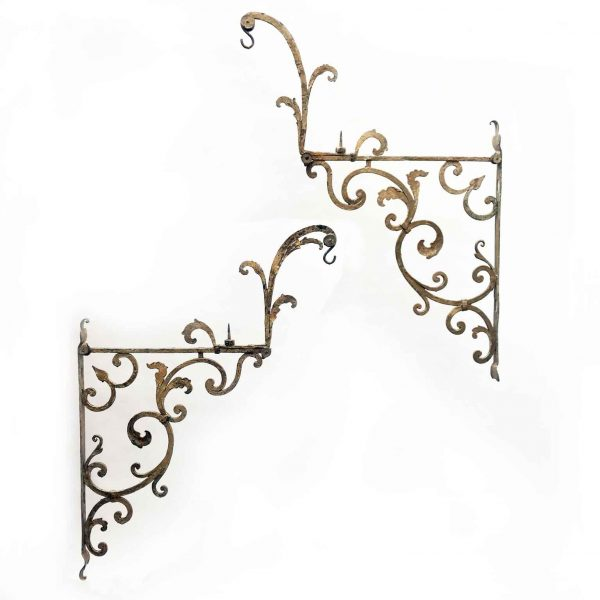 18th Century Italian Pair of Gilt Wrough Iron Hanging Lantern Brackets