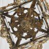 lanterna in bronzo dorato con vetri decorati qh