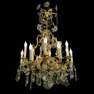 lampadario antico dorato francese con cristalli