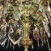 grande-lampadario-da-salone-dorato-con-cristalli-1800-a-36-fiamme-d