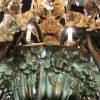 grande-lampadario-da-salone-dorato-con-cristalli-1800-a-36-fiamme-e