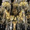 grande-lampadario-da-salone-dorato-con-cristalli-1800-a-36-fiamme-v