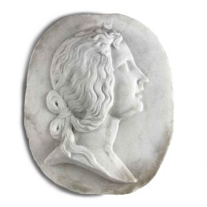 bassorilievo in carrara bianco ovale con profilo di donna primi 1900.